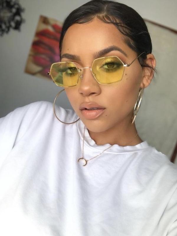 Модели на очила за сонце во боја што ќе бидат во тренд ова лето