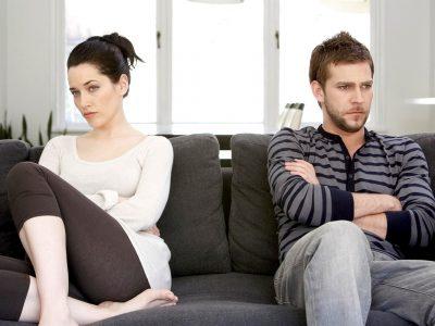 Ако вашиот партнер ве критикува за некоја од овие 4 работи, тоа е аларм