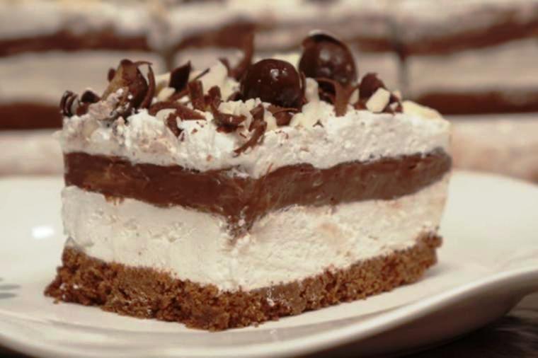 Брз колач: Без готвење и печење, готов за 15 минути