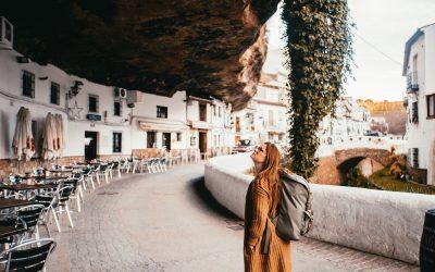 Шпански град кој воодушевува со својата необична локација