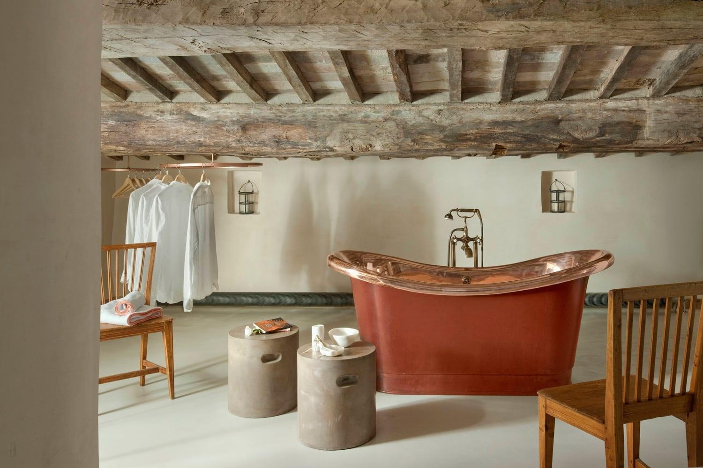 Кога се цени традицијата: 15 години реконструкција на едно напуштено средновековно село во Тоскана