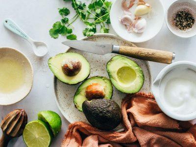 Рецепт: Како да направите алиоли од авокадо?
