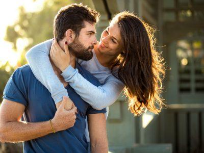 5 хороскопски парови што се расправаат, но сè уште можат да функционираат заедно