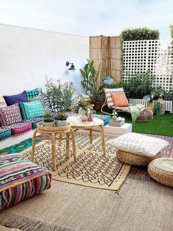 Уредете ја вашата градина во весел медитерански стил