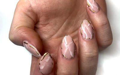 """Новиот маникир """"розов кварц"""" е сè што ќе посакате на вашите нокти"""