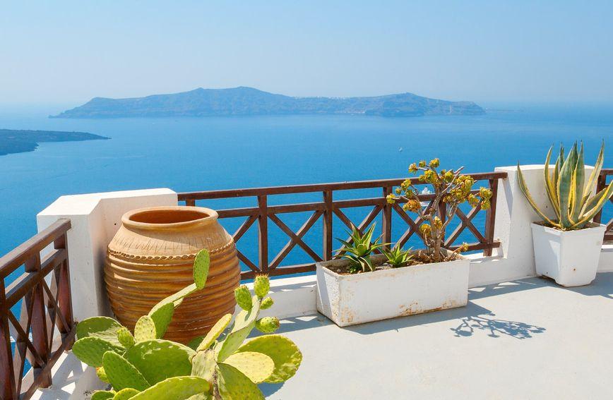 15 тераси со прекрасен поглед кон морето