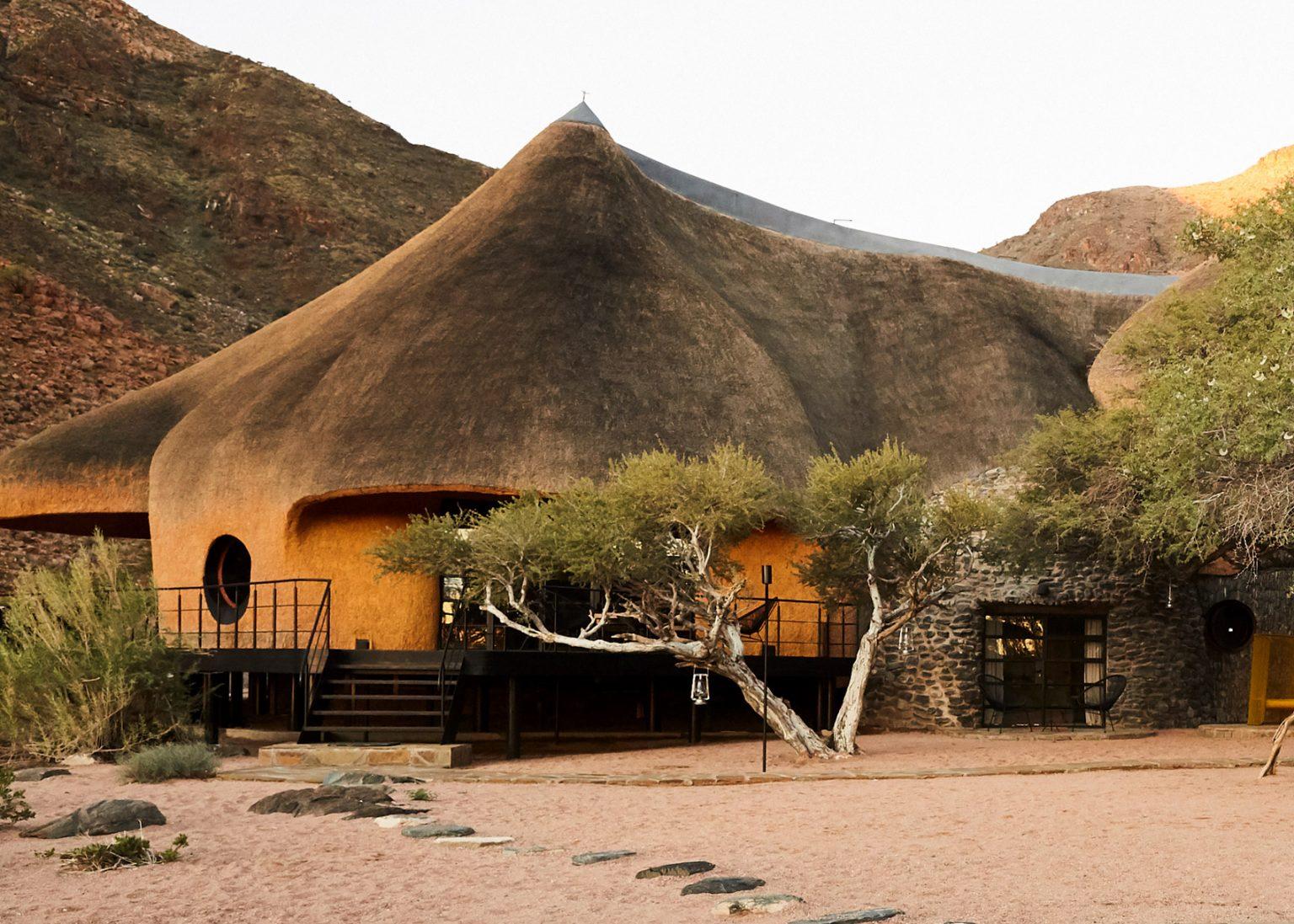 Куќи за гости во Намибија кои изгледаат како гнезда на птици