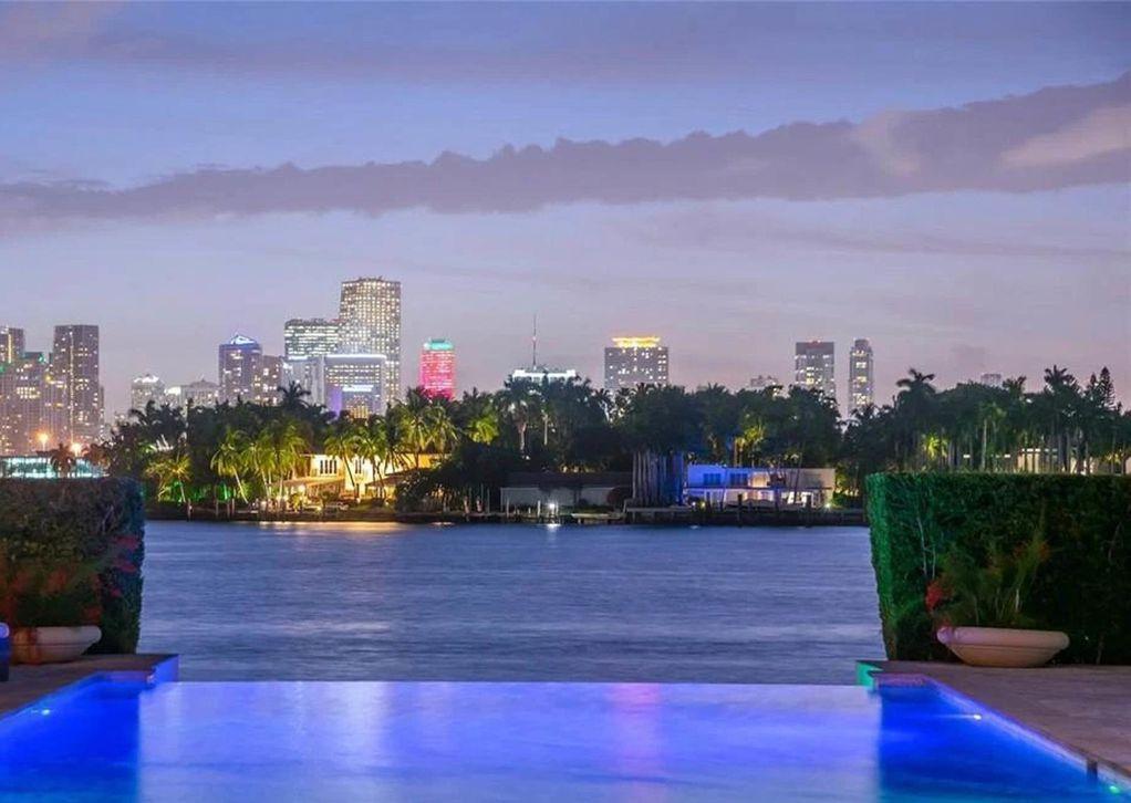 """Новата вила на Џенифер Лопез: Луксуз со 12 бањи и """"бескраен"""" базен"""