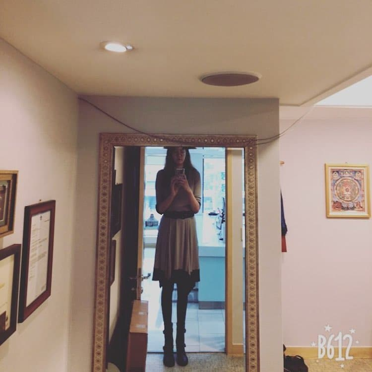 Запознајте ја Рени: Жената со најдолгите нозе во светот