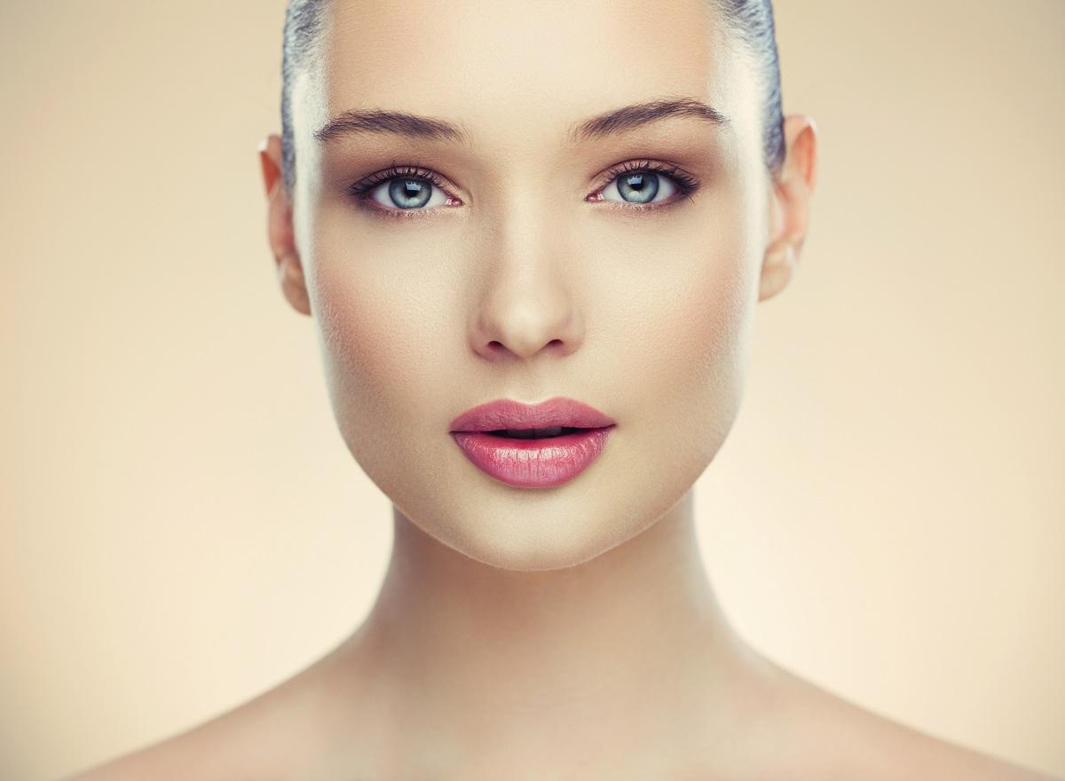 Големи уши, сини очи, тесно лице: Што откриваат деловите од телото за вашиот карактер?