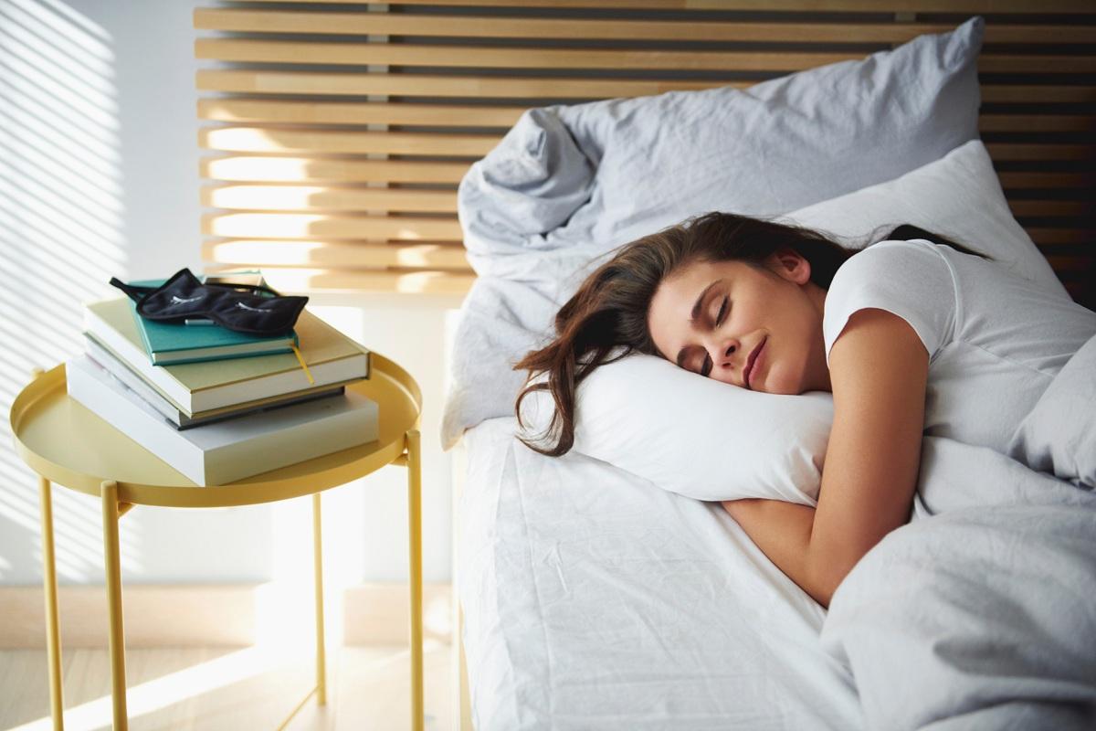 Кои се придобивките од 4-те положби на спиење во однос на страните на светот?