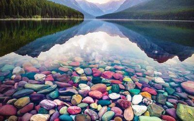 Најшареното езеро во светот: Нереална убавина што може да ја создаде само природата