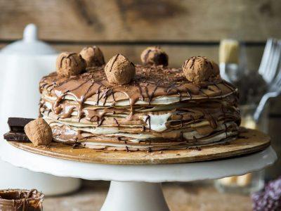 Рецепт за палачинки со ладен прелив од кафе и вкус на бадем
