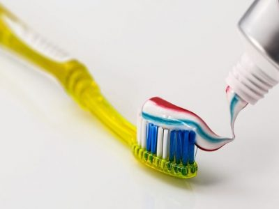 Што значат боите на пастата за заби?