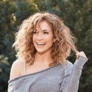 4 фризури што ги подмладуваат жените над 50 години