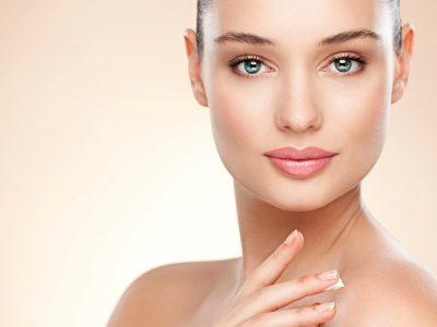 Што е азелаична киселина и зошто треба да ја вклучите во негата на кожата?