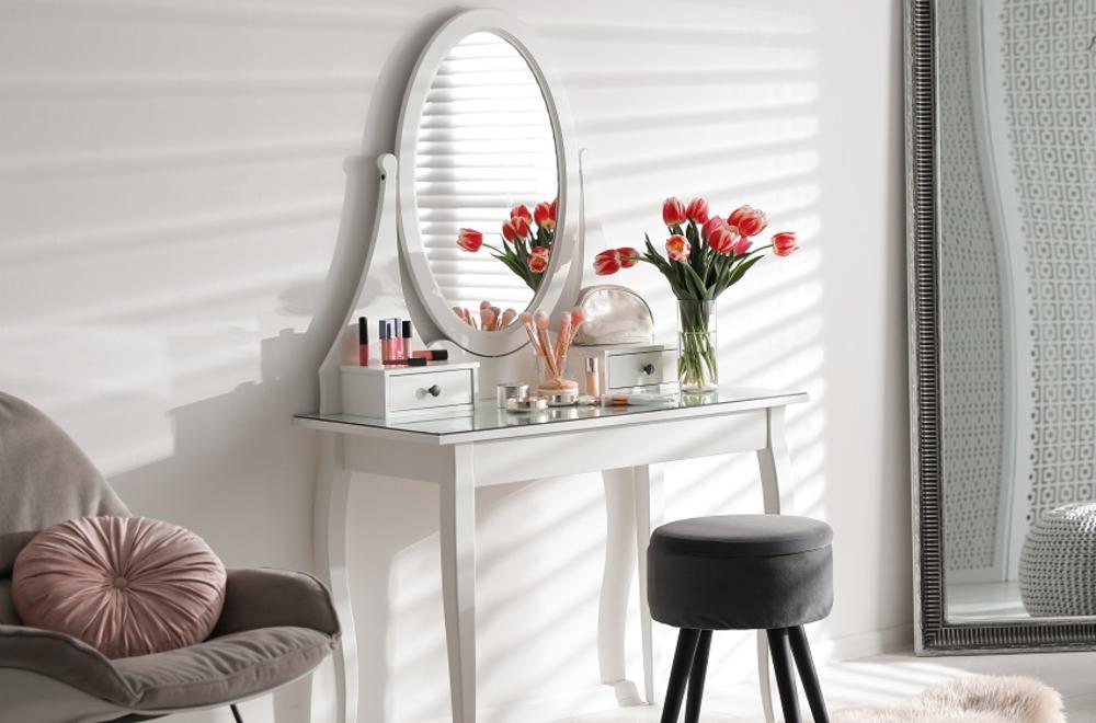 13 идеи како да направите совршена тоалетна маса
