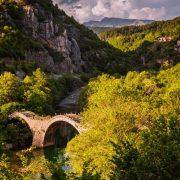 Еден од најубавите мостови што туристите обожаваат да го фотографираат