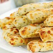Одлични за мезе: Рецепт за брзи и солени стапчиња