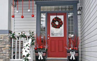 Идеи за празнично украсување на влезот кои ќе сакате да ги копирате
