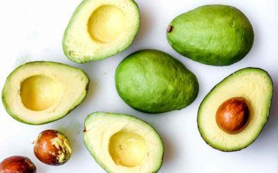 Како да спречите појава на кафени точки на неискористеното авокадо?