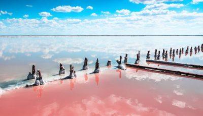 Прекрасно езеро со необична боја каде што и вие ќе сакате да си направите неколку фотки