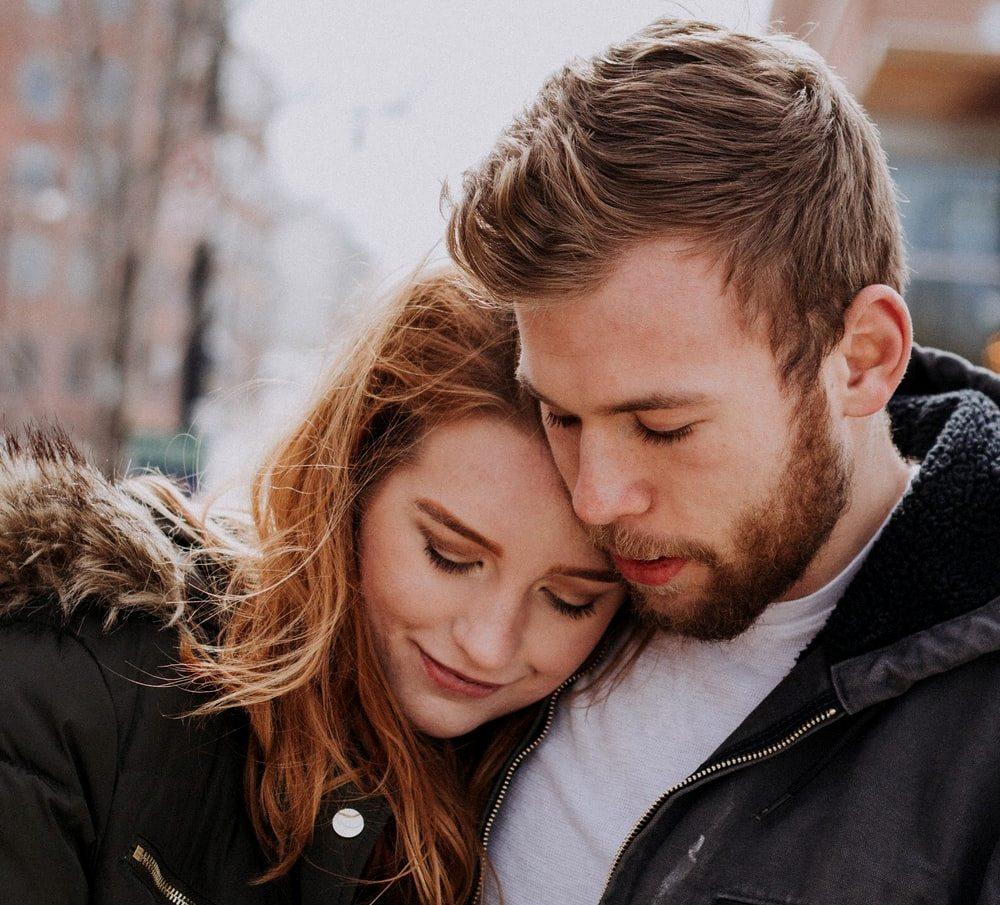 10 неправедни очекувања што може да го нарушат вашиот брак