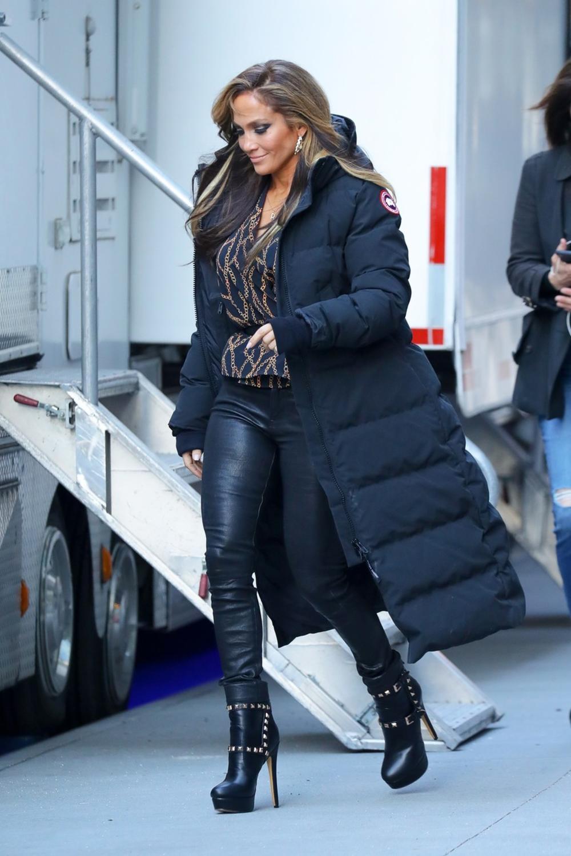 15-те најдобри комбинации: Ако сакате да бидете во тренд, облечете се како Џенифер Лопез