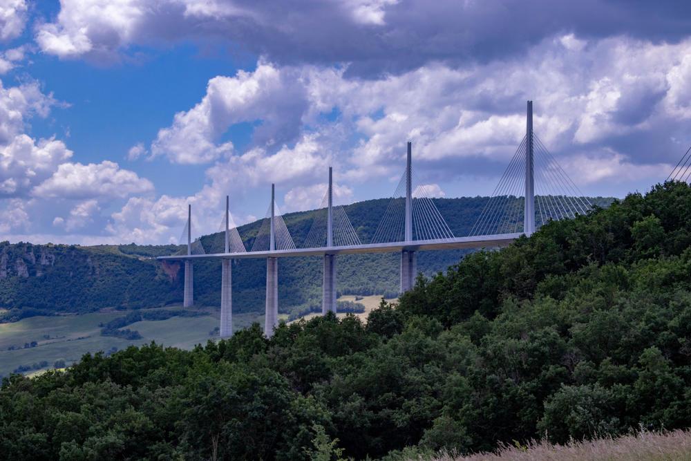 Поглед што воодушевува: 6-те најубави мостови на светот