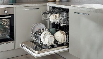 Како правилно и темелно да ја исчистите машината за миење садови?