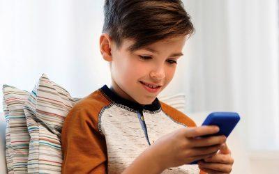 На која возраст е најдобро вашето дете да го добие својот прв мобилен телефон?