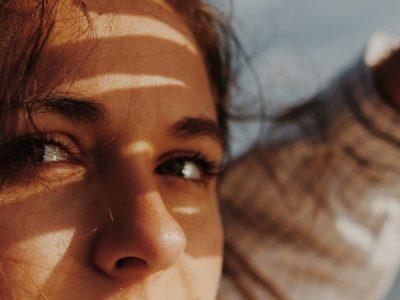 Најважните правила за нега на чувствителната област околу очите