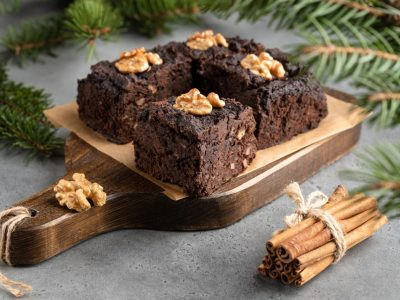 """Празнична торта со ореви: Рецепт од """"другата страна на светот"""""""