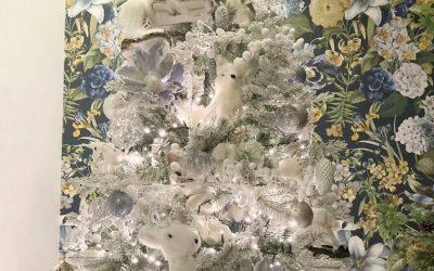 Загатка: Можете ли да го пронајдете мачето скриено во оваа новогодишна елка?