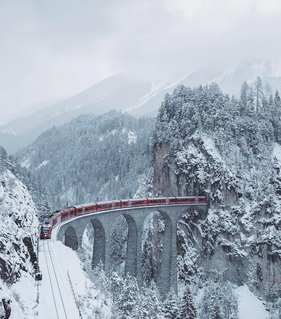 Дали ова е најубавото зимско патување со воз?