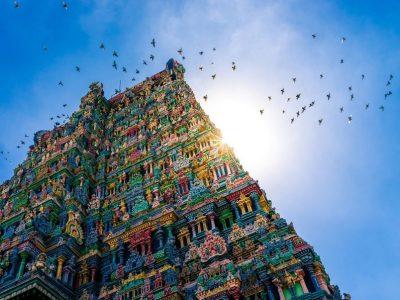 Место во Индија кое изненадува со своето шаренило, но и со една необична приказна