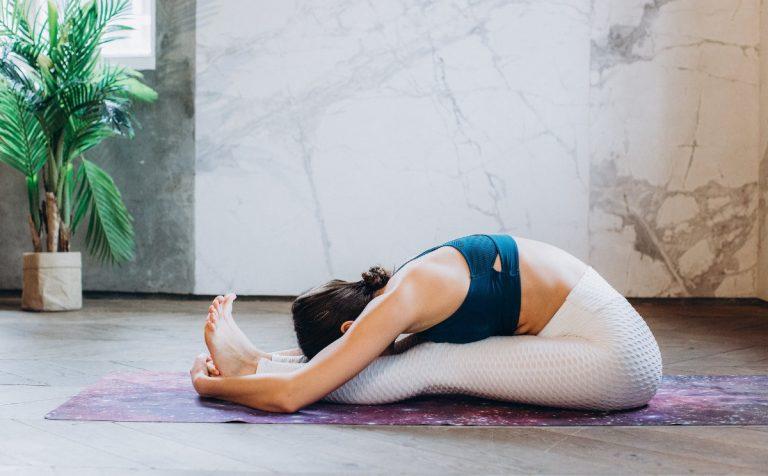 Едноставни вежби што ќе ве спасат од непријатната надуеност