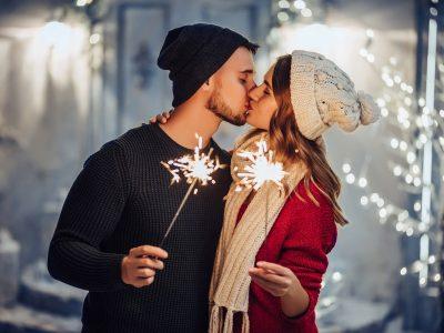 5 хороскопски знаци што ќе имаат многу среќа во љубовта во текот на зимата