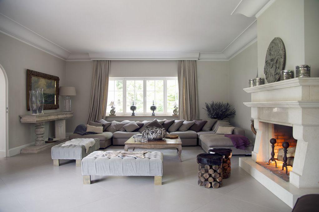 Дали има нешто поубаво? 15 дневни соби со камин за кои сигурно фантазирате