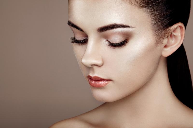 Како да го избегнете ефектот на испукана пудра на кожата?