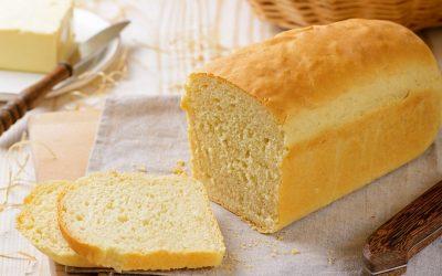 Пробајте го овој трик со кој ќе го преполовите бројот на калории во лебот