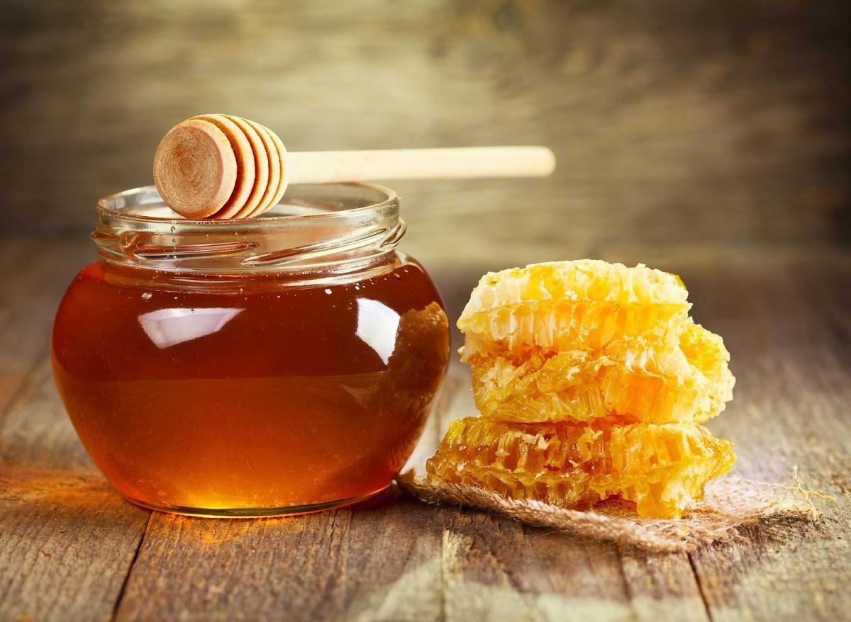 Што ќе се случи ако јадете мед и сусам секој ден?