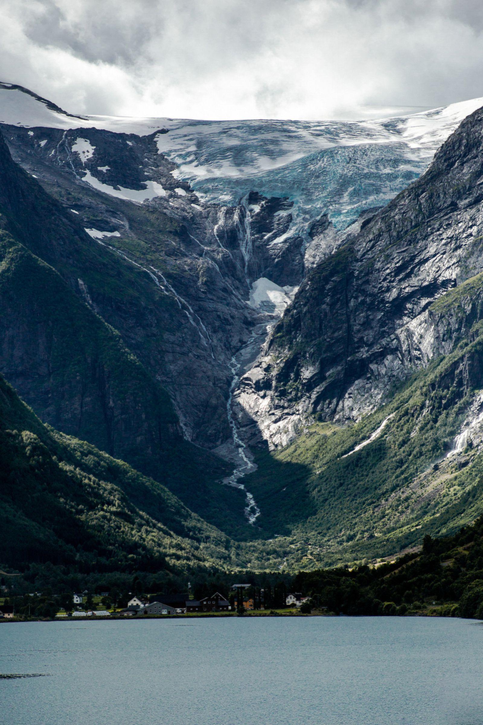 Прекрасни глечери, тиркизни езера и водопади: Добредојдовте во норвешкото кралство на природата!