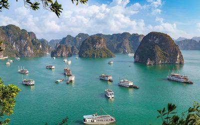 Во сенка на туризмот: Тивок залив на нереално убави плажи и села кои лебдат на вода