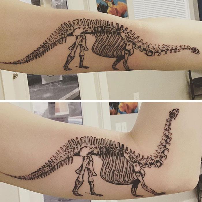 Неверојатни тетоважи кои се трансформираат кога луѓето ги движат своите тела