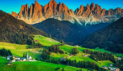 На 1350 метри во подножјето на Доломитите: Дали е ова најубавото село во Италија?