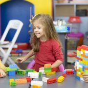 6 техники за воспитување на децата што воспитувачите ги користат во градинка