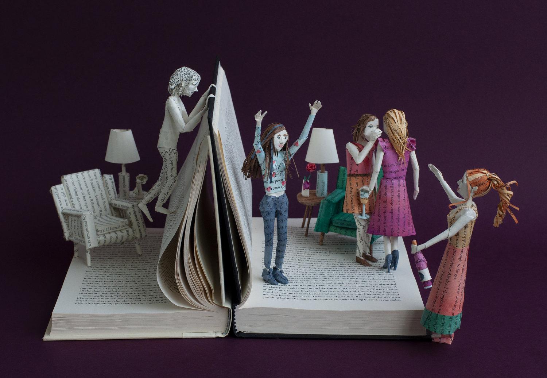 Прекрасни скулптури направени од страниците на книгите