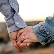 """Ако овие работи ви се вртат во главата, немојте да одговорите со """"да"""" на понудата за брак"""