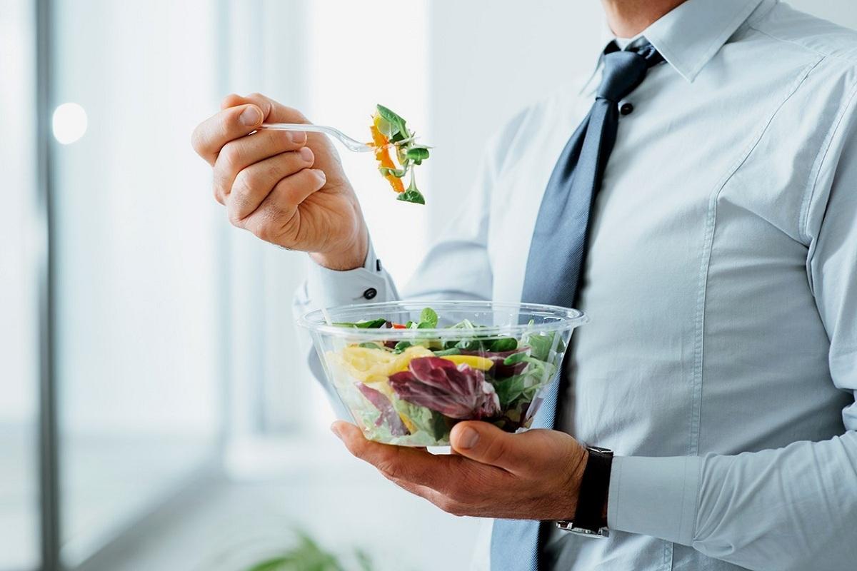 Хранете се квалитетно додека сте на работа: 5 предлози за здрави оброци
